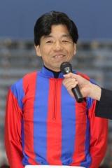 190401 岡村裕基騎手表彰式-01