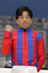 190401 岡村裕基騎手表彰式-02