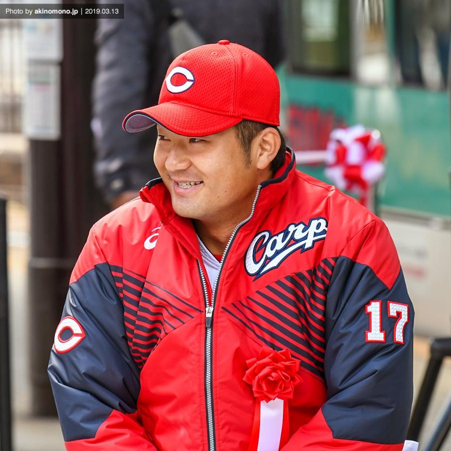 笑顔の岡田明丈投手