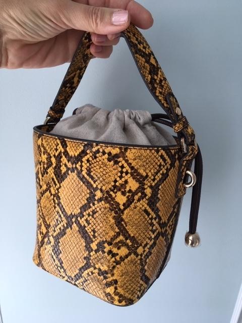 Mamie BurgerとWoolrichとMANGOのバッグ