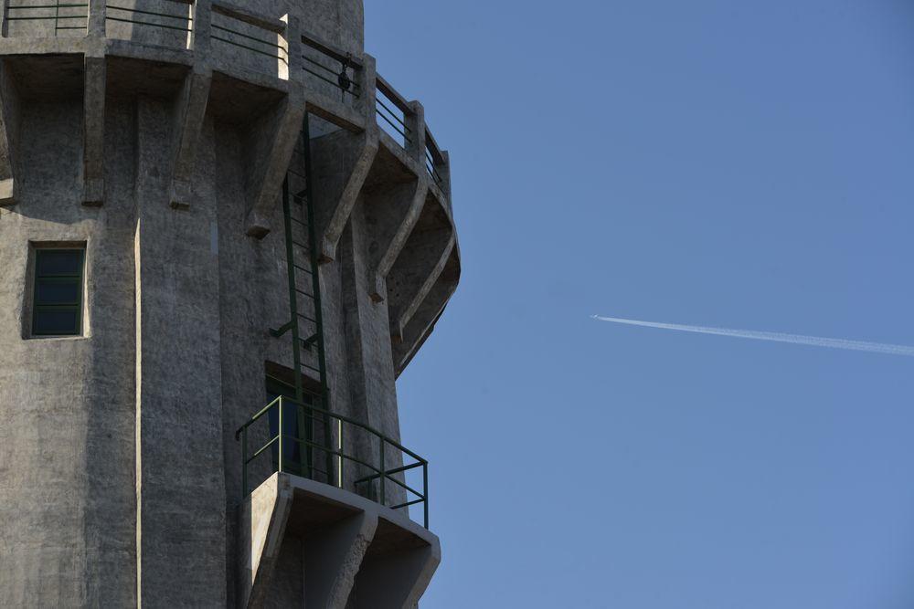 青空に水道塔-3