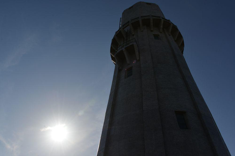 青空に水道塔-5