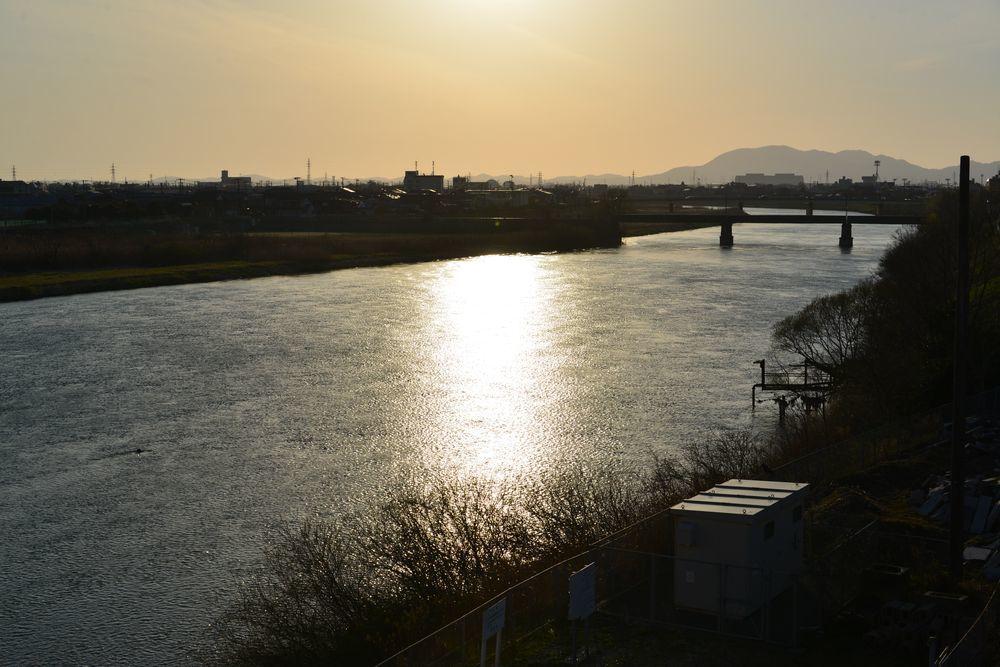 河が光る-1