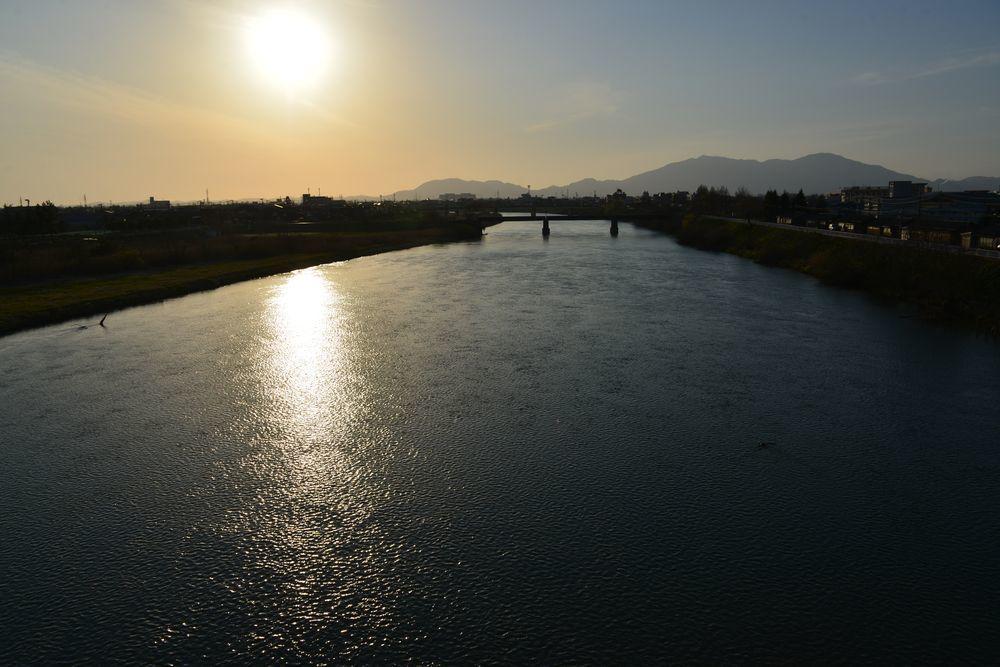 河が光る-2