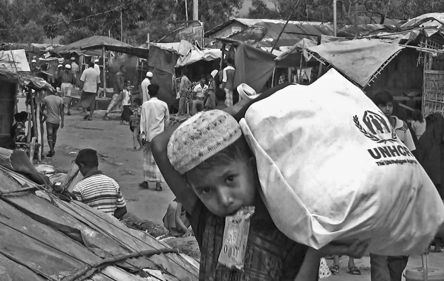 バングラデシュ・コックスバザールの難民キャンプで