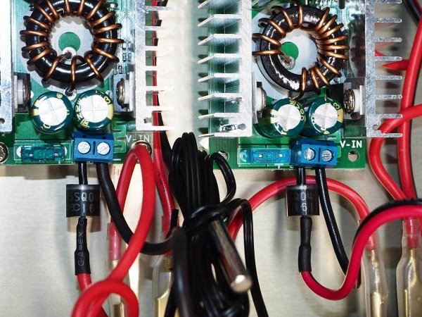 DC-DCコンバータの入力ポートにダイオード挿入