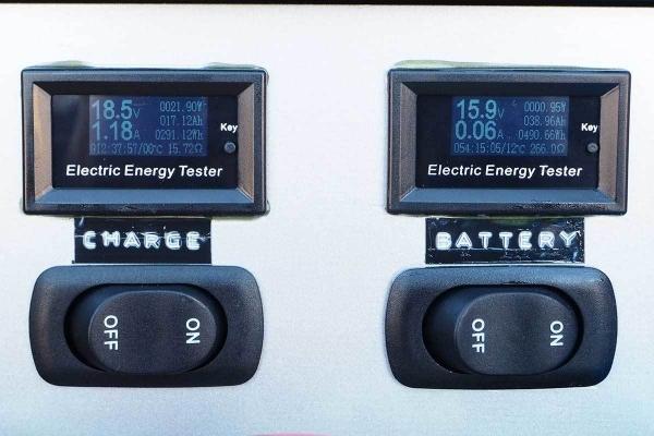ソーラー充電が終わらない_20190404