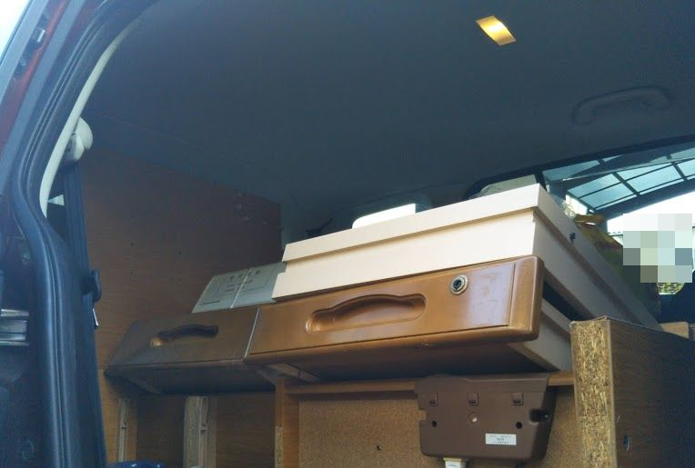 学習机を解体して処分 車に積む