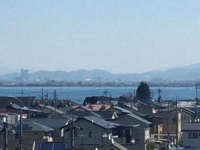 JR湖西線から眺めた琵琶湖南湖(3月9日11時45分頃)
