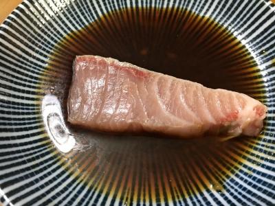 ワサビ醤油に刺身を漬けるとフッと脂が拡がります