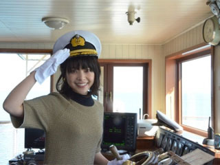 びわ湖開きで1日船長を務めた岸井ゆきのさん