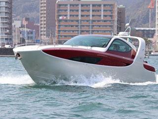 大津港マリーナでチャーター運行が始まった新クルーズ船