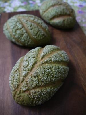 お茶の葉メロンパン