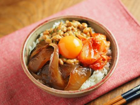 漬け刺身のキムチ納豆丼013