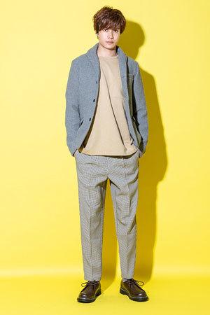 10代メンズファッション春 ベージュカラーコーディネート1