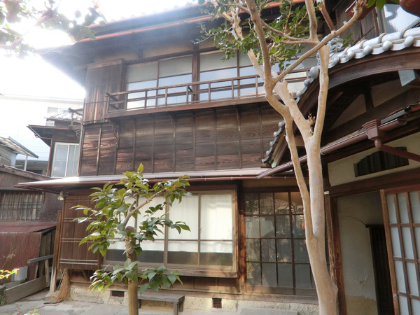 100年耐えた「旧平櫛田中邸」(上野桜木)の健気な木造建築!