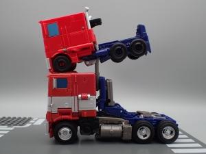 トランスフォーマー SS-30 オプティマスプライム を比較&遊ぼう (5)