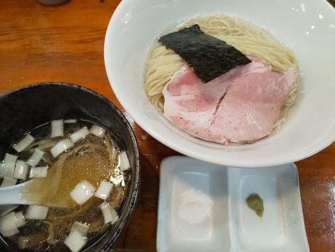 昆布水の塩つけ麺