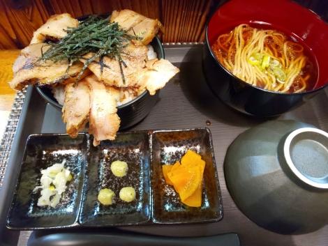 鶏節麺のひつまぶし風御膳
