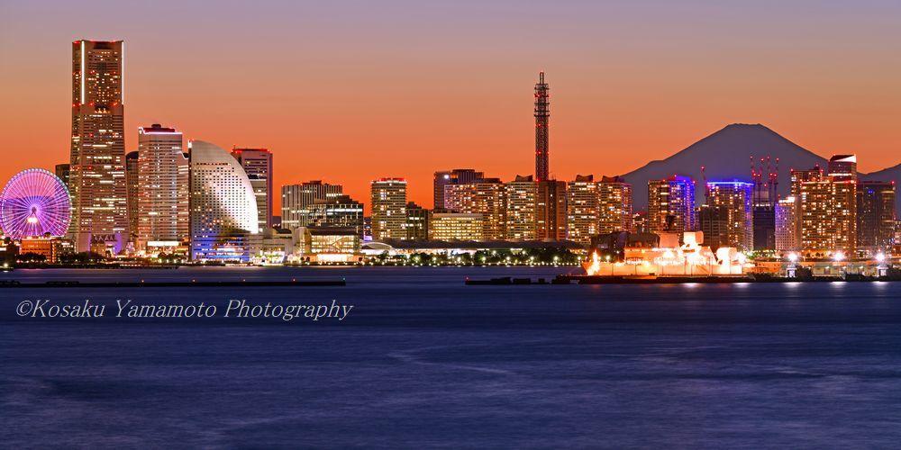 みなとみらい夕景富士 (横浜市)