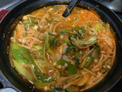湯豆腐→キムチチゲ