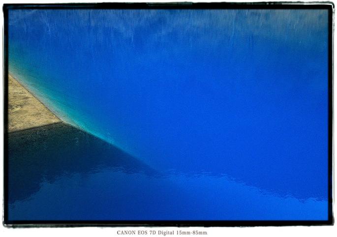 長野県筑北村青い栃平ダム湖青い池1903Bluepond09.jpg