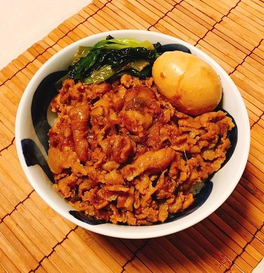 コーラ入り魯肉飯10