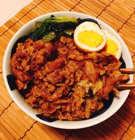 コーラ入り魯肉飯11