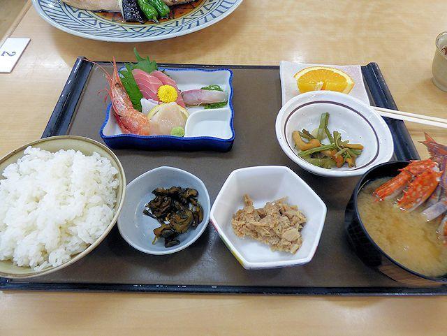 森田水産レストランのブリ兜煮定食