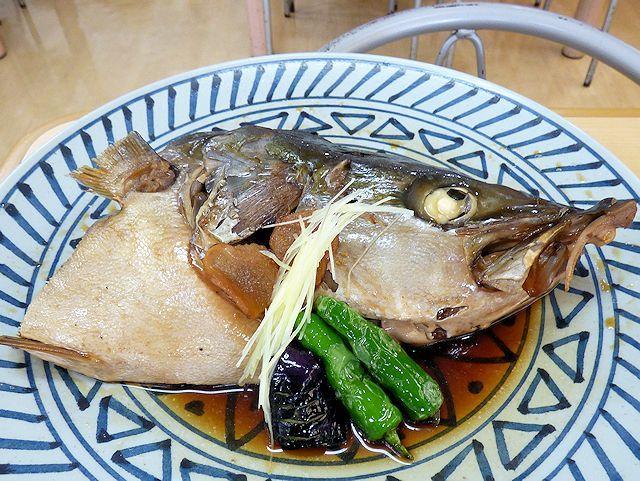 森田水産レストランのブリの兜煮