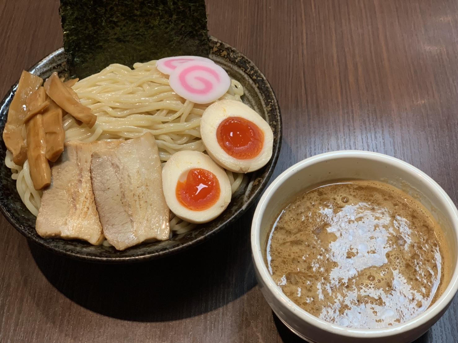 豚骨醤油つけ麺