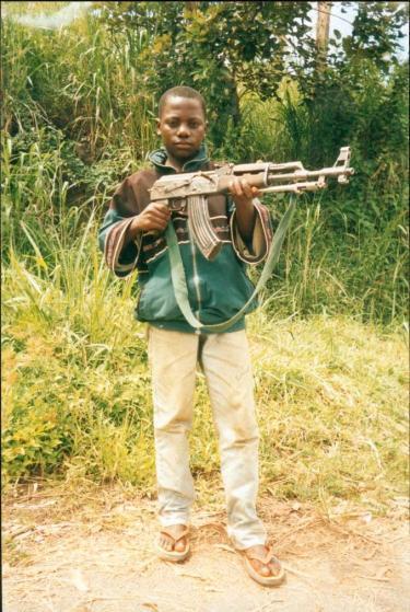 【コンゴ民主共和国】子ども兵(2006年撮影)_convert_20190320195326