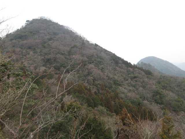 IMG0043JPG眼前に牛岳、後方に乙村岳