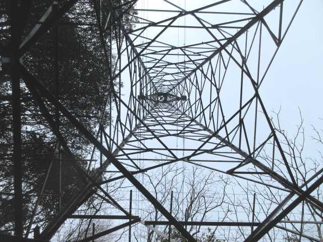 IMG0091JPG鉄塔で休憩