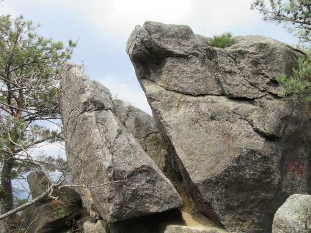 IMG0055JPG挟み岩