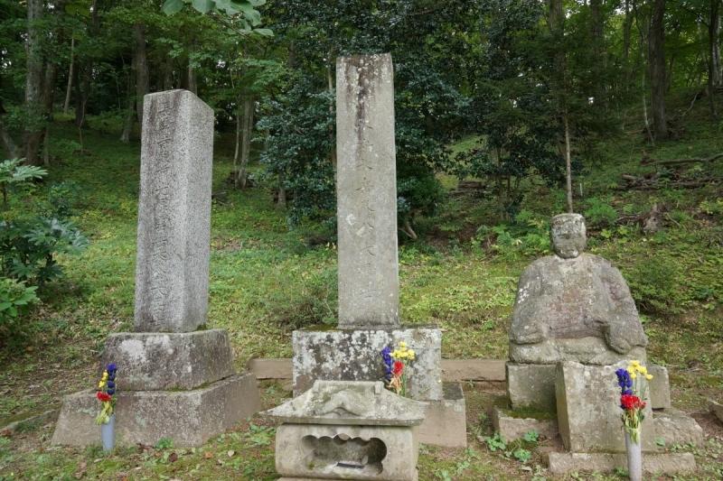 4墓 (1200x800)
