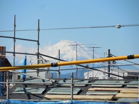 中高倉歩道橋から見た富士山@藤沢市b