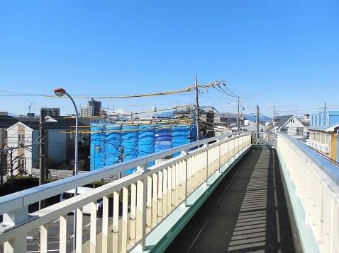 中高倉歩道橋から見た富士山@藤沢市a