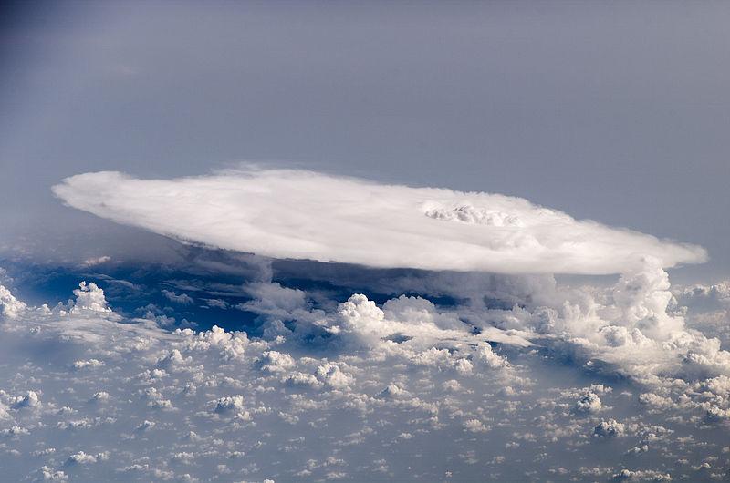 【雷神】史上最高値「13億ボルト」の電圧を持つ雷雲が観測される!