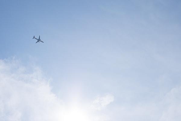 飛行機と空