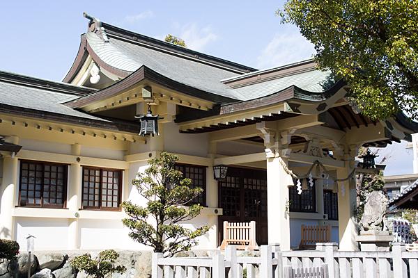 島田神社拝殿斜め