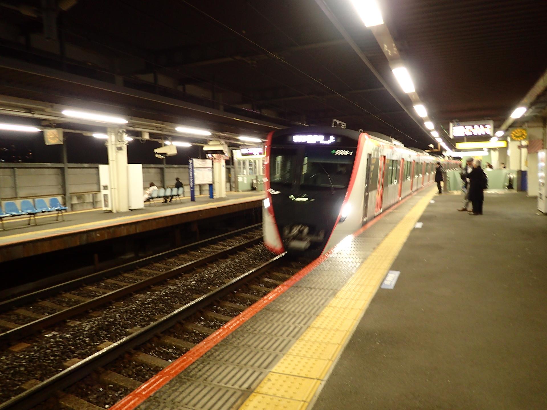 都営浅草線5500系です。