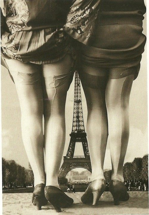 french-postcard-with-eiffel-tower-1389192920_b.jpg