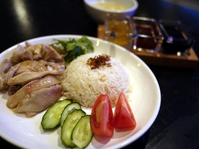 シンガポール キッチン&バーHOLIC