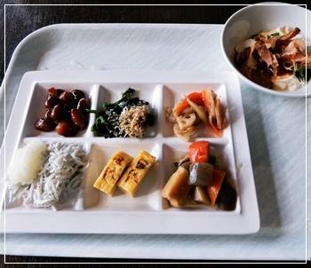 ビュフェで和食を