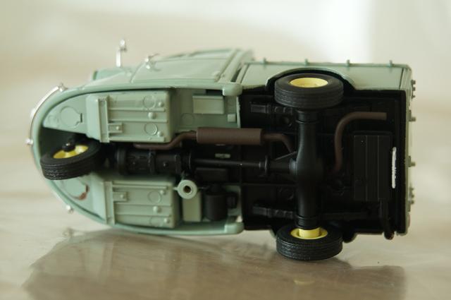 DBCのダイハツミゼットMP4のアンダーボデー