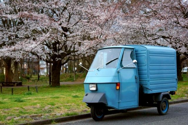 大木島の桜とベスパカー