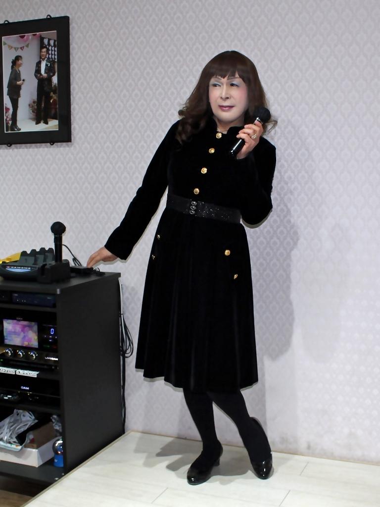 黒ベルベットワンピカラオケ(4)
