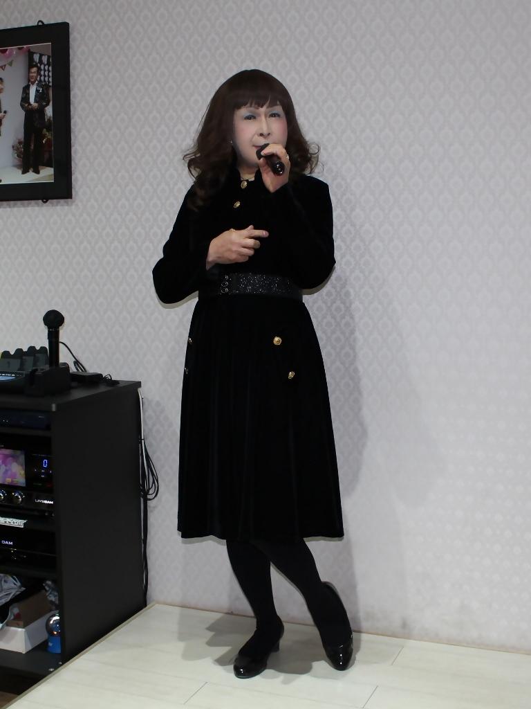 黒ベルベットワンピカラオケ(5)