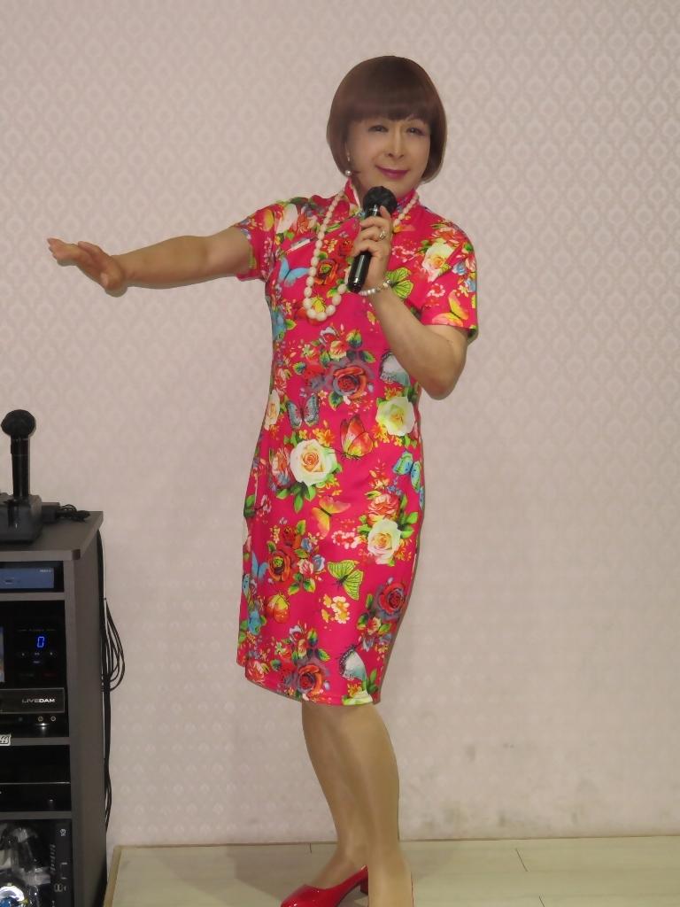 赤チャイナ服カラオケ(2)
